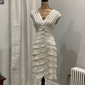 Adrianna Papell tiered dress size 8
